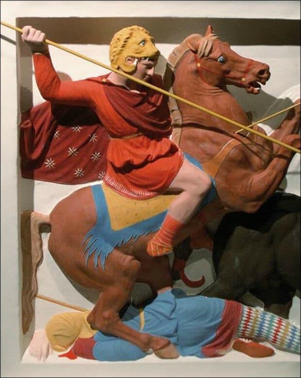 Античные статуи были разноцветными